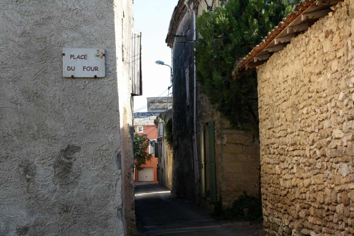 Place du four à Sanilhac
